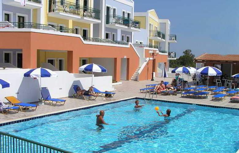 Camari Garden Hotel and Apartments - Pool - 3