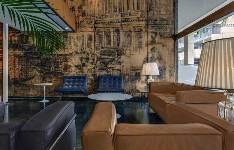 Plaza - Hotel - 8