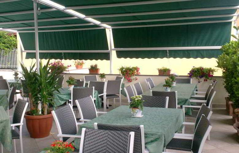 Costa Hotel - Restaurant - 8