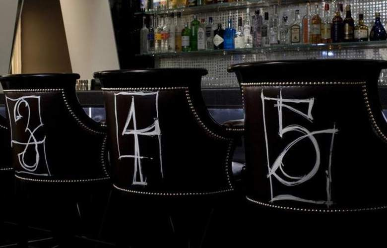 The Surrey - Bar - 3