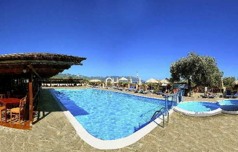 Orpheas - Pool - 1