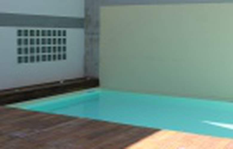 Plus Florence - Pool - 2