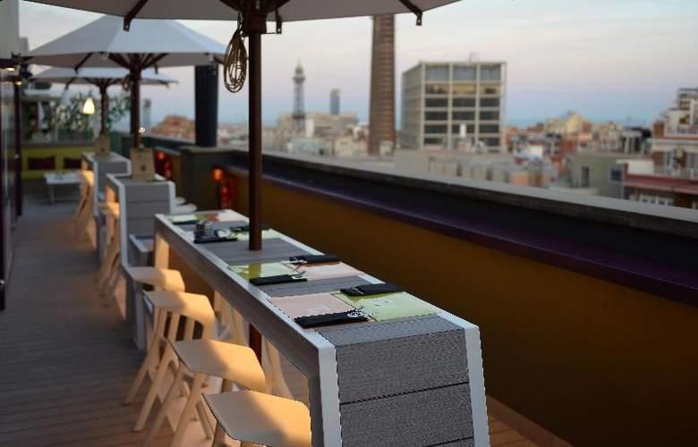 Barcelona Universal - Bar - 67