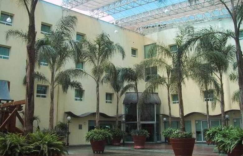 Plaza Poblana - Hotel - 0