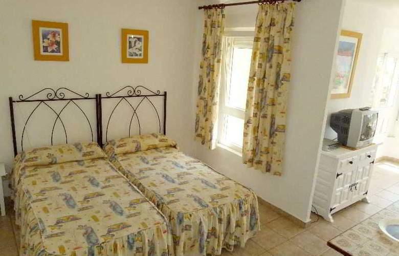 Apartamentos Intercentro (Algarrobo-Costa) - Room - 7