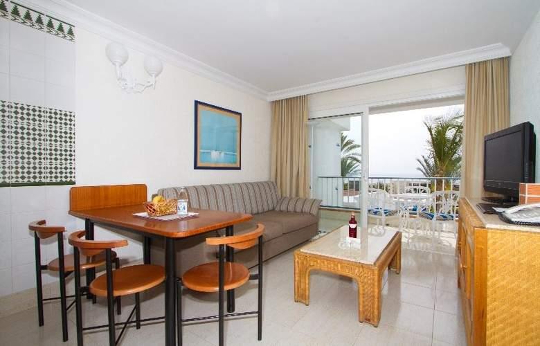 Fariones Apartamentos - Room - 6