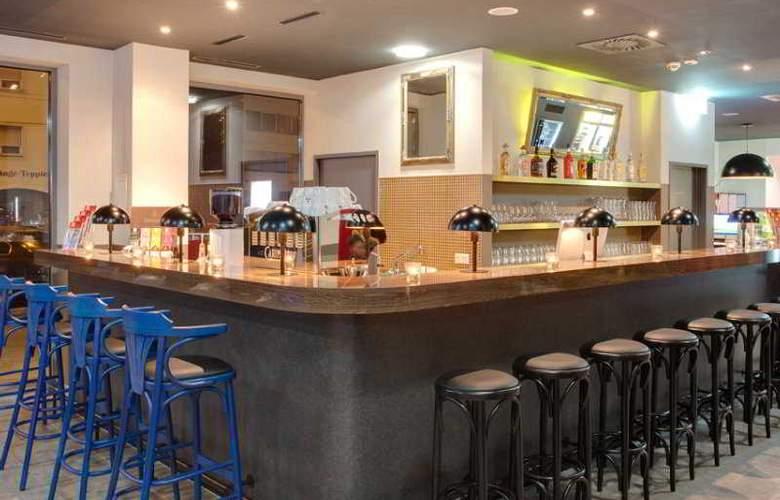 Meininger Salzburg City Center - Bar - 8