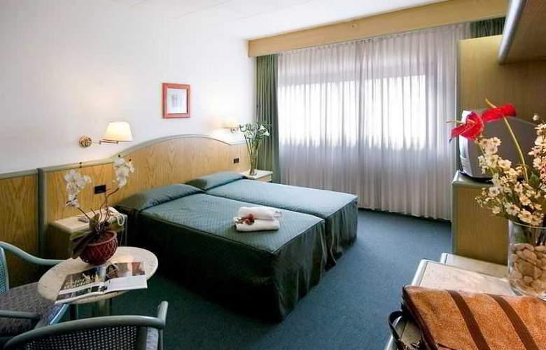 ALFA FIERA HOTEL - Room - 10