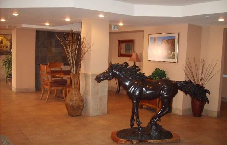 Holiday Inn Express Sedona Oak Creek - Hotel - 1