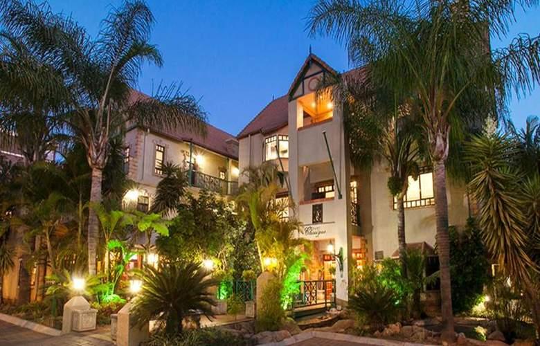 Court Classique Suite Hotel - Hotel - 2