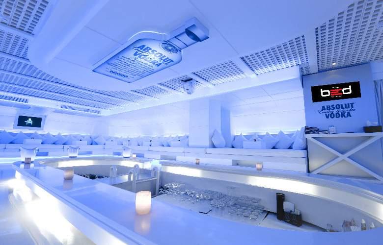 Nova Suites - Bar - 7