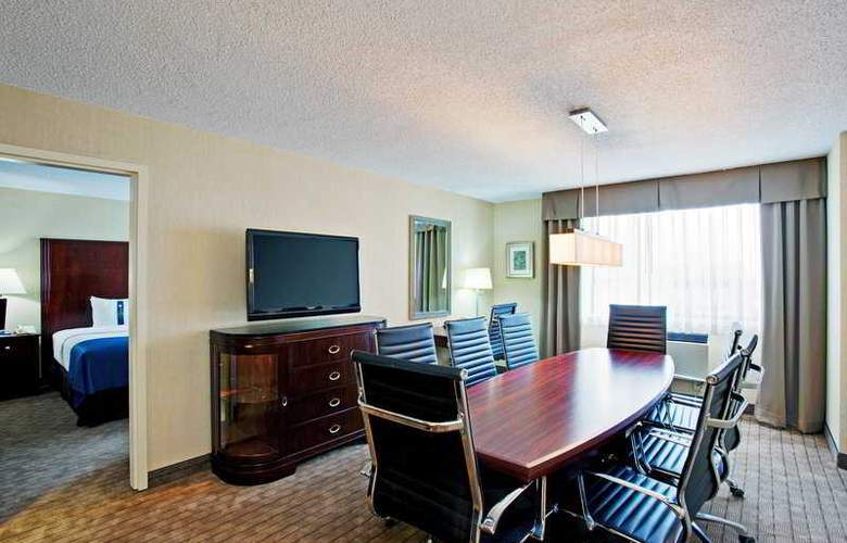 Holiday Inn Hotel & Suites Winnipeg Downtown - Room - 15