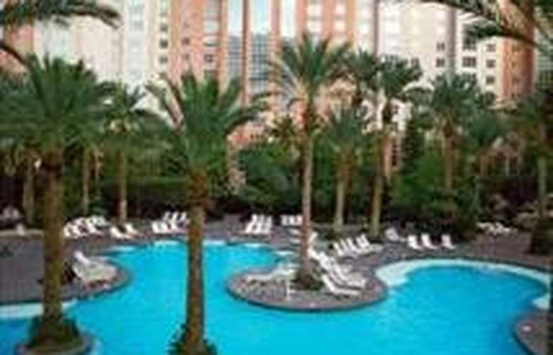 Hilton Grand Vacations At Flamingo - Pool - 0