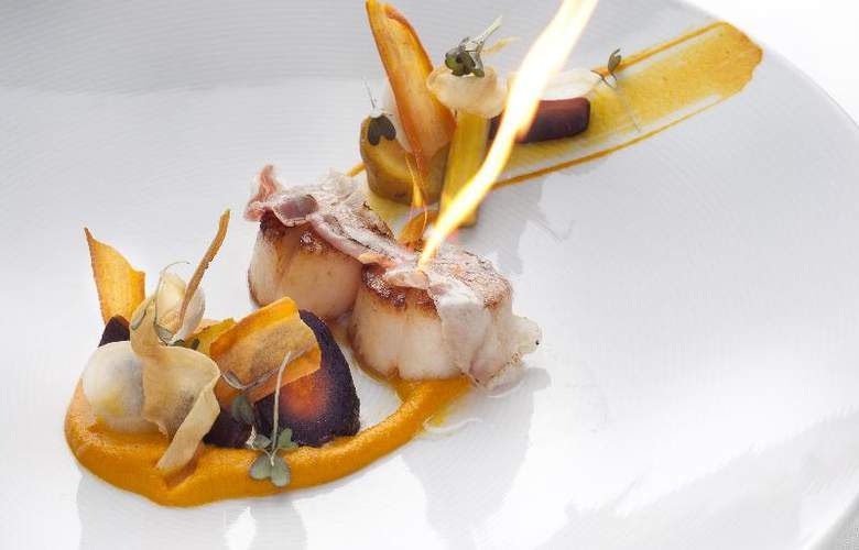 Radisson Blu Alcron Hotel - Restaurant - 34