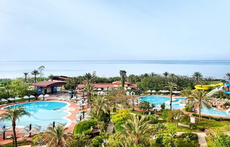 Belconti Resort - Pool - 69
