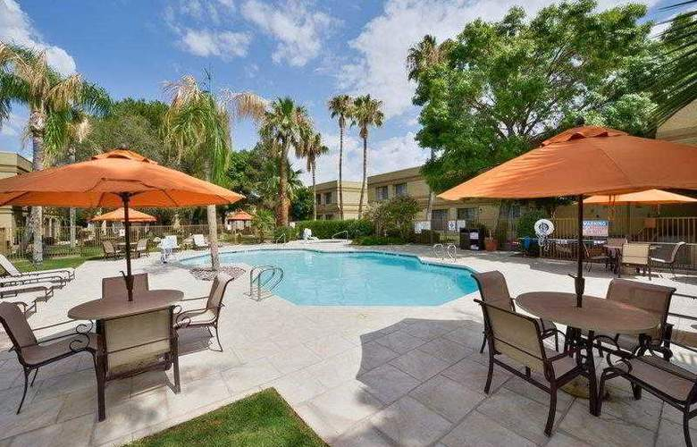 Best Western Tucson Int'l Airport Hotel & Suites - Hotel - 4