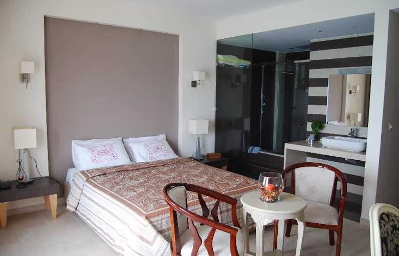 Dali - Room - 34