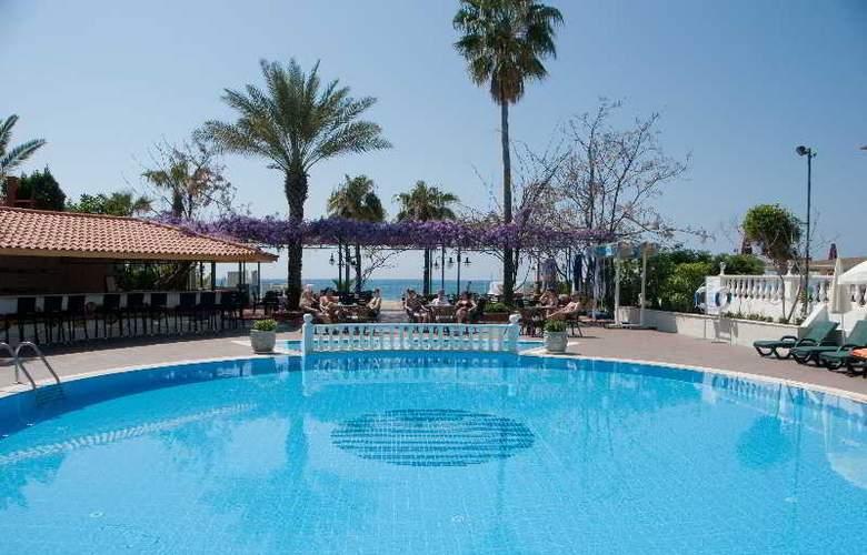 Azak Hotel - Pool - 2