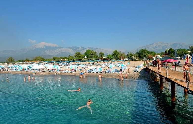 Daima Resort - Beach - 3