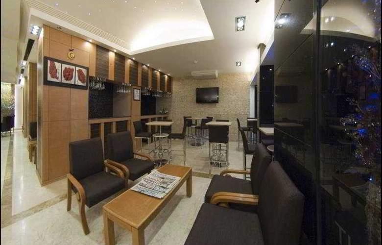 Marlight Boutique Hotel - Bar - 5