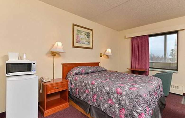 Econo Lodge - Room - 1