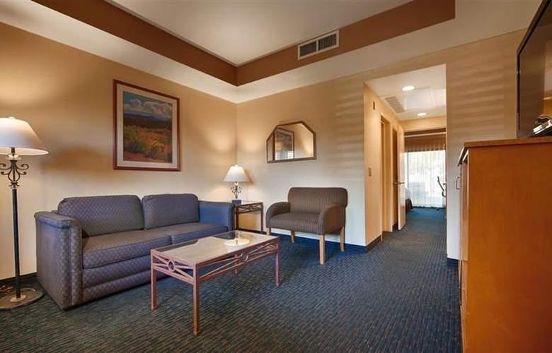 Best Western Plus Palm Desert Resort - Room - 27