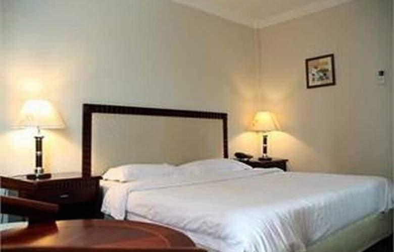 Palm Garden Hotel - Room - 11