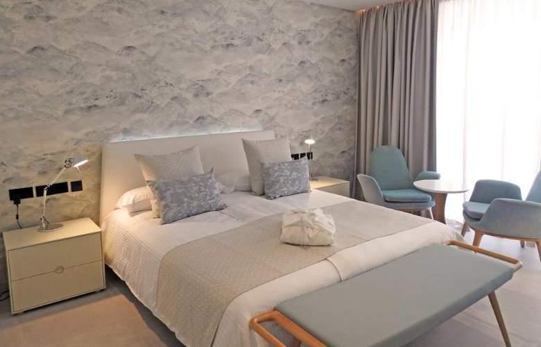 Lava Beach - Room - 2
