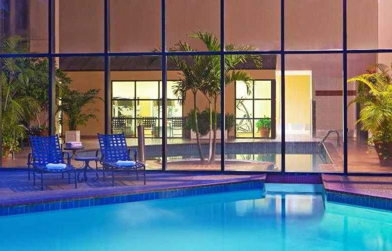 Sheraton Gateway Hotel Atlanta Airport - Pool - 30