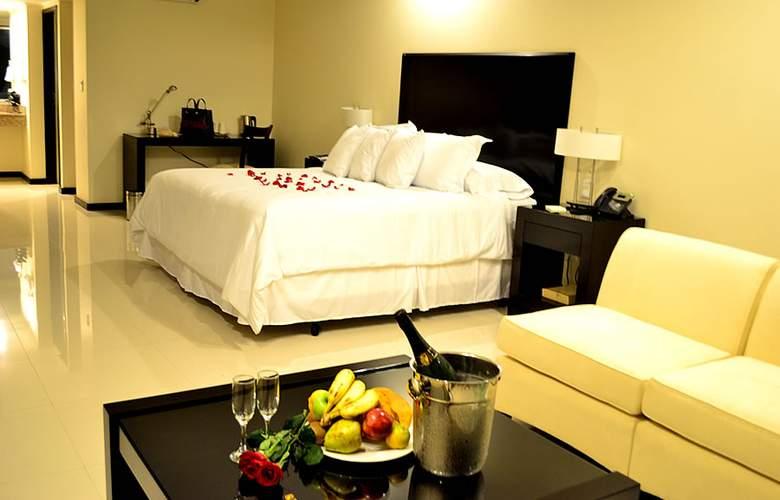 Sun Hotel - Room - 0