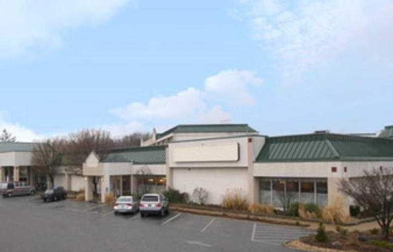 Clarion Inn St Louis Airport North - Hotel - 0