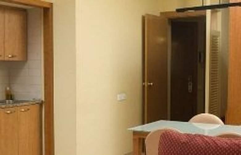 Aparthotel Bertran - Room - 4