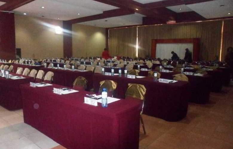 Mision Los Cocuyos - Conference - 8