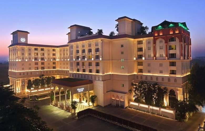 Sheraton Grand Pune Bund Garden - Hotel - 0
