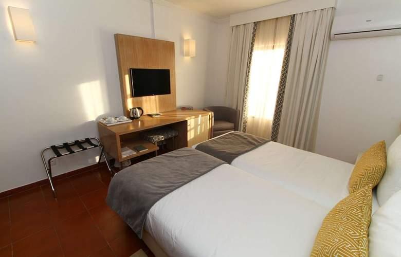 Dom Bernardo - Room - 4