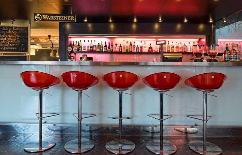 Park Inn by Radisson Central Tallinn - Bar - 3