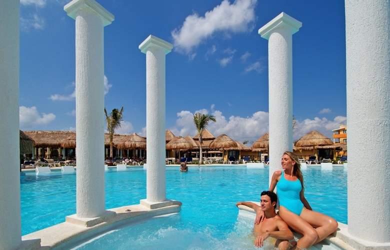 TRS Yucatan Hotel - Pool - 7