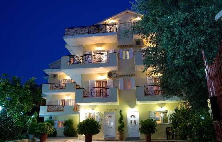 Pansion Filoxenia Apartments & Studios - Hotel - 0