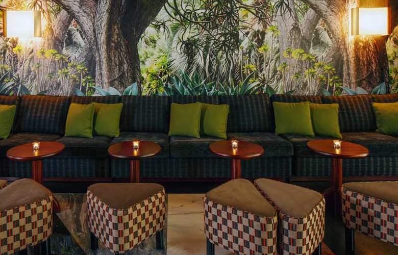 McCarren Hotel & Pool - Bar - 24
