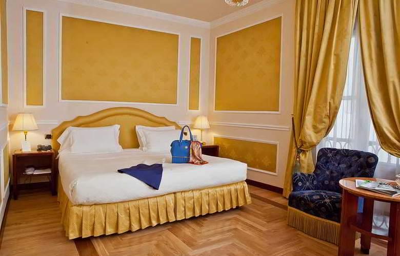Bernini Palace - Room - 12