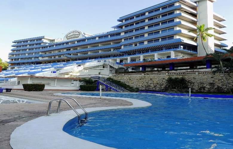 Majestic Acapulco - Pool - 15