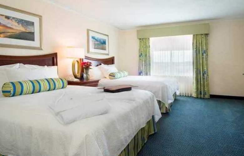 Embassy Suites Brunswick - Hotel - 4