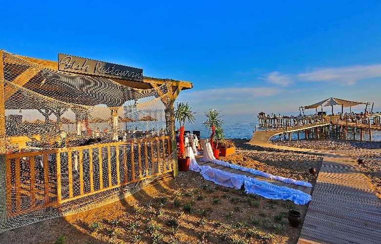 Lyra Resort - Beach - 40