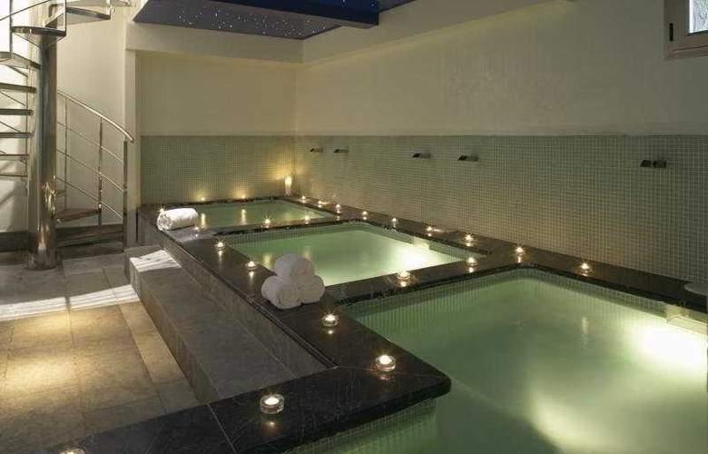 Hospes Palacio del Bailio - Pool - 7