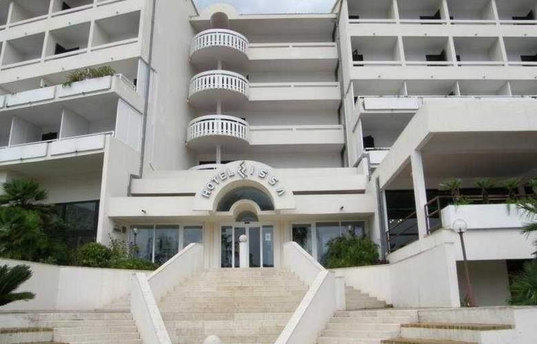 Issa - Hotel - 0