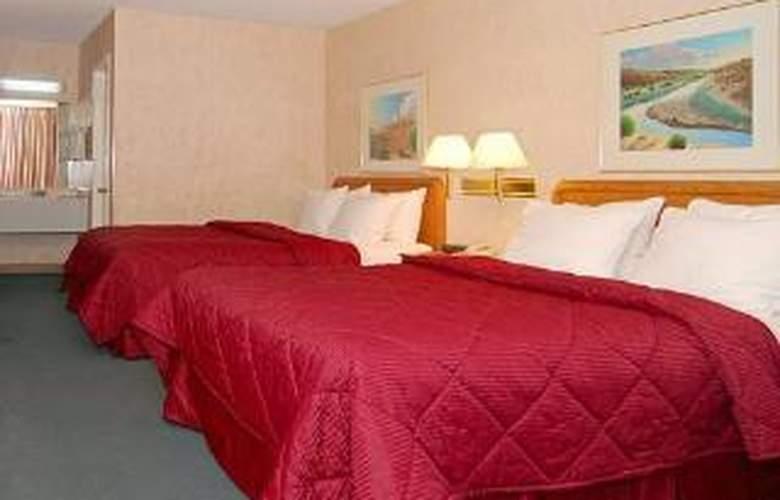 Comfort Inn East - Room - 4