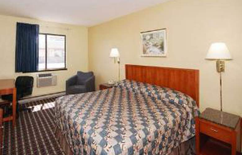 Econo Lodge - Room - 4