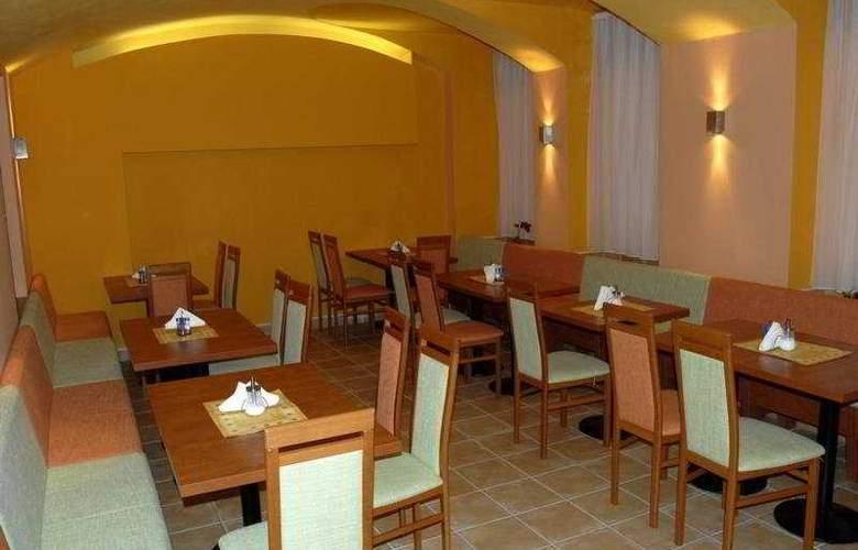 City Central de Luxe - Restaurant - 3