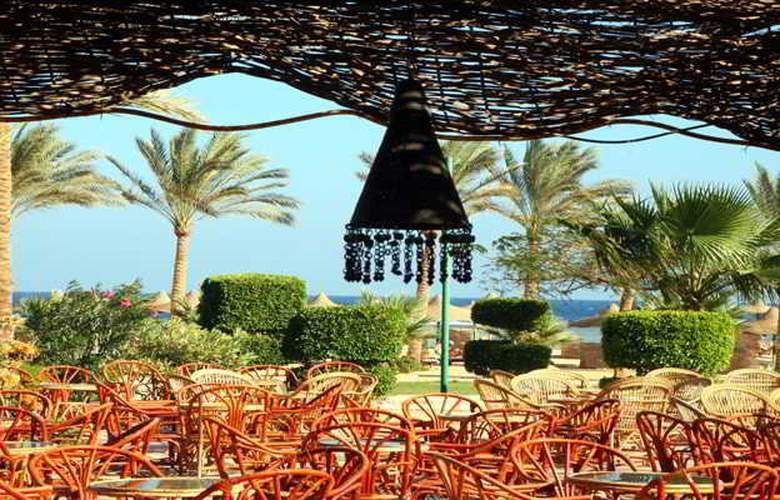 Flamenco Beach Resort - Terrace - 27