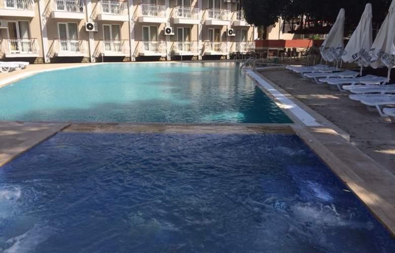 Grand Emir Hotel & SPA - Pool - 6